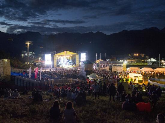 Включайся в LiveFest Summer  со скидкой от МегаФона!