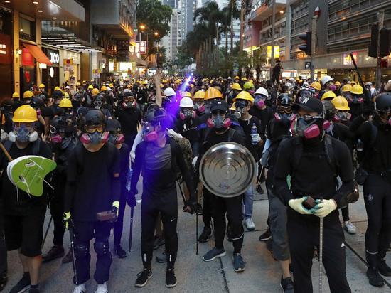 Трамп: Си Цзиньпин способен решить проблему Гонконга быстро