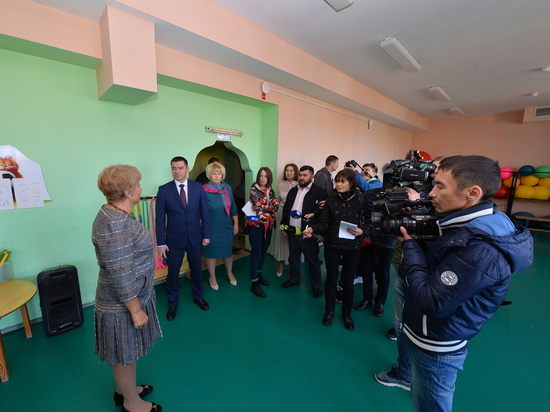 Главный федеральный инспектор проверил школы Салехарда
