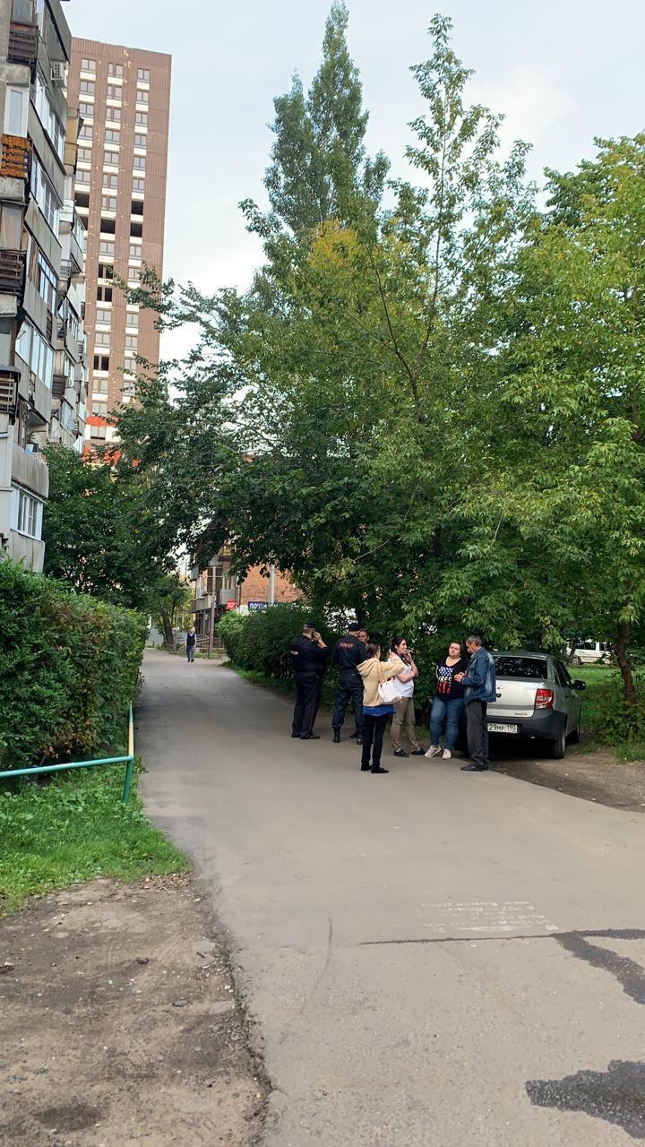 Вооруженный мужчина захватил парикмахерскую в Котельниках после конфликта с экс-женой