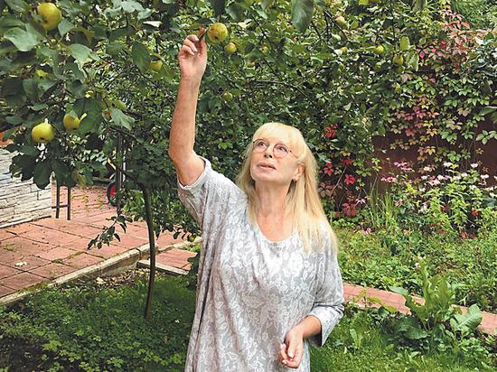 """Автор знаменитых хитов Любовь Воропаева: """"В память о Белоусове высажу розы"""""""