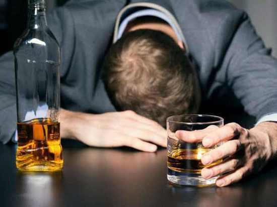 Как бороться с алкоголизмом: мнения психиатра и нарколога
