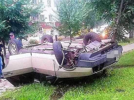 Пьяный водитель из Башкирии едва не погиб, опрокинув автомобиль