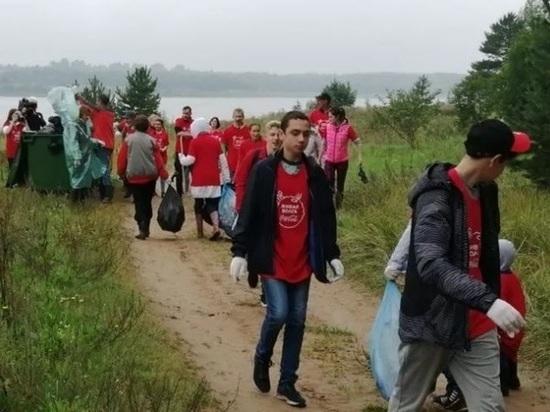 На Рыбинском водохранилище волонтеры убрали три километра берега