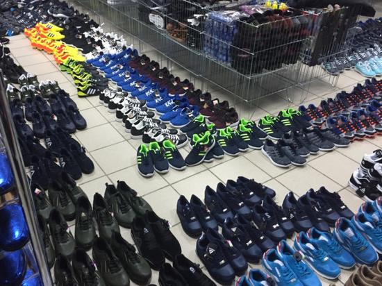 Полицейские изъяли контрафактной обуви на 4 млн рублей в Людиново