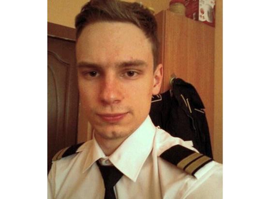 Второй пилот севшего в поле самолета госпитализирован с травмой груди