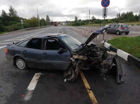 Водитель из Тверской области разбился в Кунье