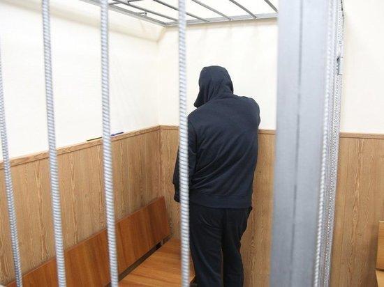 «Стриптиз» в СИЗО: адвокаты «авторитета» Шишкана попросили музыку на досмотре