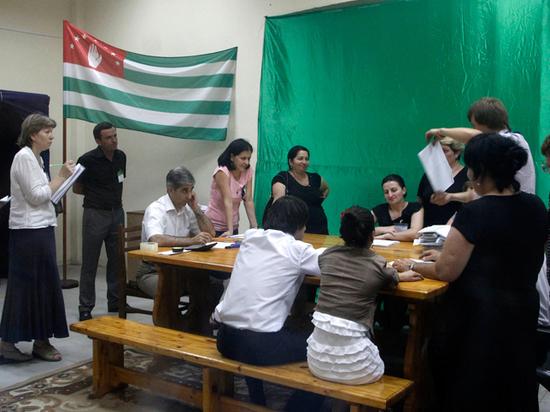 Взрывооопасные выборы в Абхазии: в республике кипят нешуточные страсти