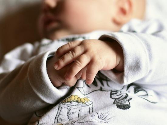 Жительница Казахстана родила сына и дочь с разницей в 2,5 месяца