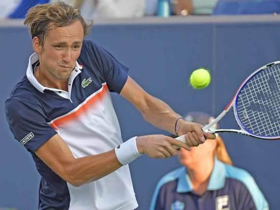 Медведев – топ: Даниил во второй раз обыграл лучшего теннисиста мира