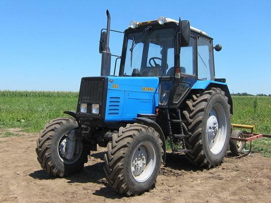 Калмыцкий фермер из-за долгов рискует лишиться трактора