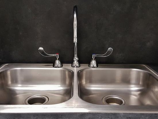 В Надыме отключат воду: список адресов