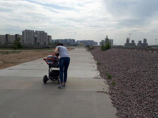 Парк, которого нет: жители Петербурга вынуждены гулять на кладбище