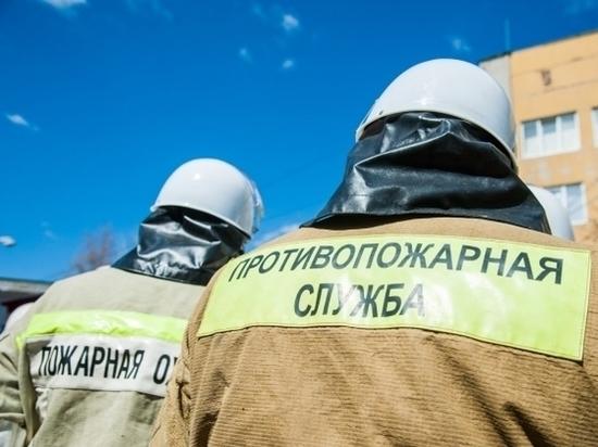 Летняя кухня сгорела в частном доме под Волгоградом из-за замыкания