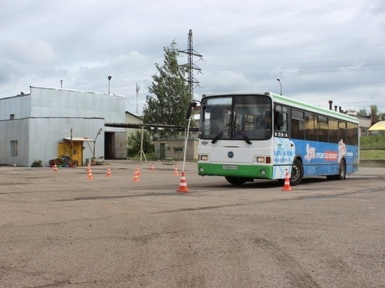 В Смоленске прошел конкурс водительского мастерства