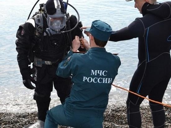 Мужчину с перевернувшейся лодки ищут хабаровские спасатели