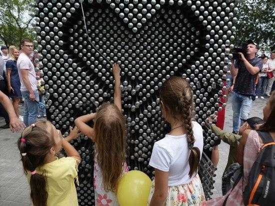 Новосибирцы разломали новый арт-объект на Михайловской набережной