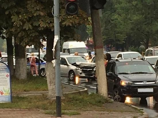 В Курске в «Хонде» разбились двое взрослых и двое детей