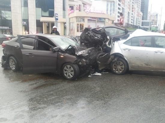 Общественник нашел грубые ошибки в экспертизе по резонансному ДТП в Екатеринбурге
