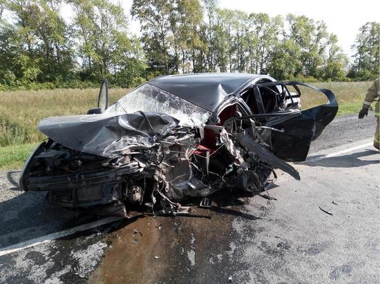 Девушка-водитель погибла во встречном ДТП в Чувашии