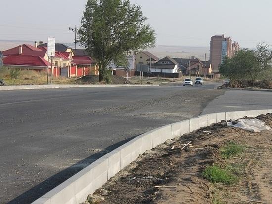 В калмыцкой столице продолжается ремонт дорог