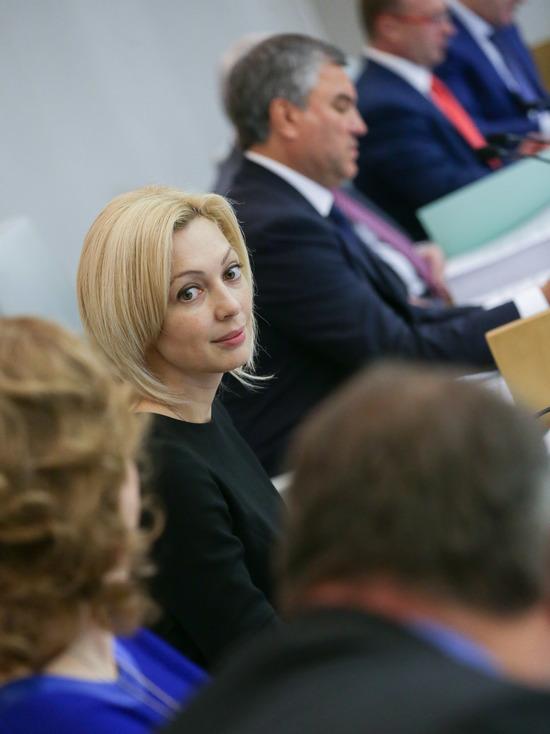 Вице-спикер Госдумы заявила о намерении бороться с фейками в СМИ