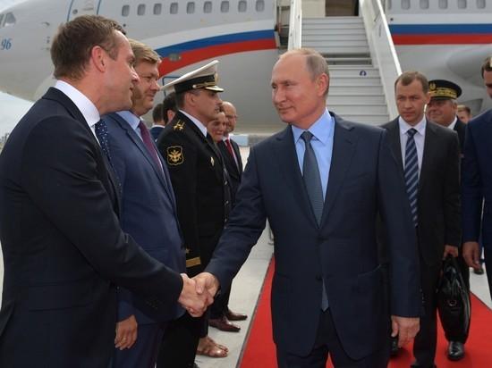 Переговоры Путина с Макроном в старинном форте получились романтическими