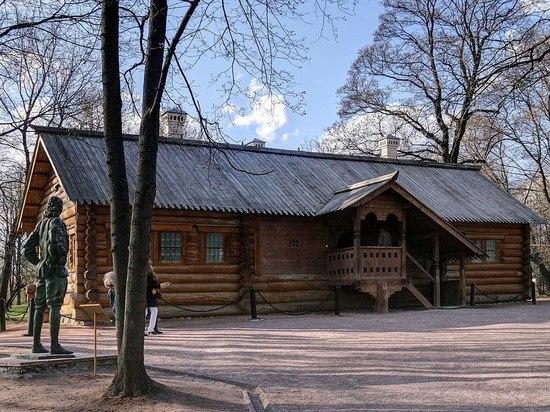 В «Коломенском» пообещали отреставрировать деревянный домик Петра Первого