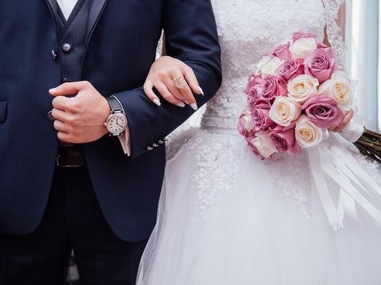 Бедность мешает россиянам рожать и жениться
