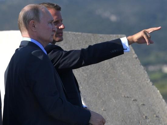 Переговоры Путина и Макрона продлились более 2,5 часов