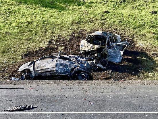 Число погибших в крупной аварии со сгоревшими машинами под Тулой возросло