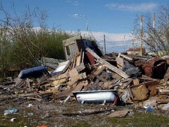 Почти в полмиллиона рублей обошлась уборка свалки в Салехарде