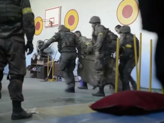 Украинские солдаты в Донбассе отрезали голову своему сослуживцу