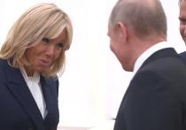 Путин похвалил Бриджит Макрон за «шикарный цвет лица»