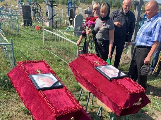 На похоронах жертв ульяновского подростка-убийцы звучали конспирологические версии