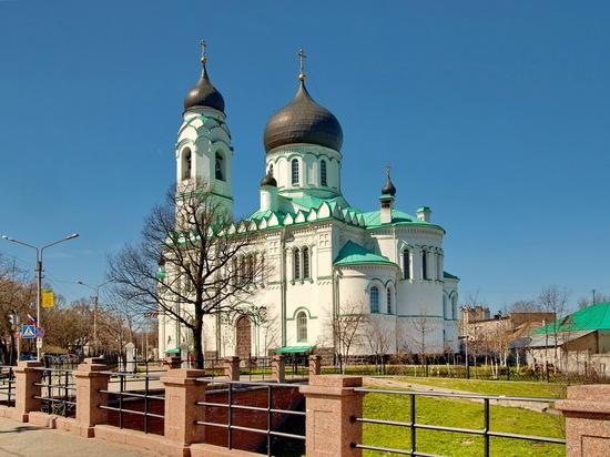 Еще один собор в Петербурге попросили отдать церкви