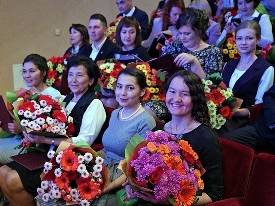 Башкирских учителей, «вырастивших» стобалльников, будут премировать