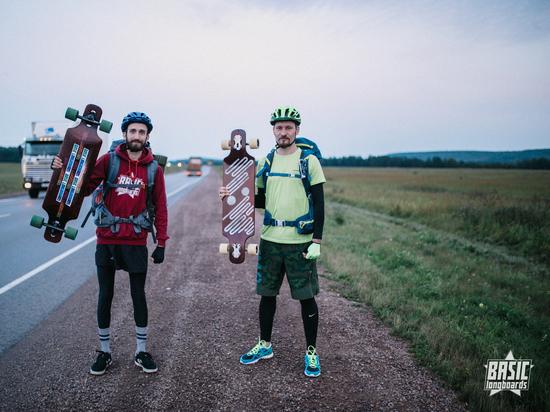 «Для нас это проба пера»: двое парней проехали 116 километров на лонгбордах по дорогам края