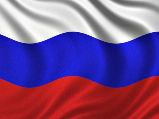 Световое шоу, концерт и марафон: Красноярск отпразднует День российского флага