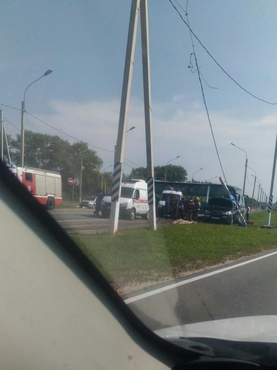 На смоленской окружной в ДТП с автобусом погибли два человека