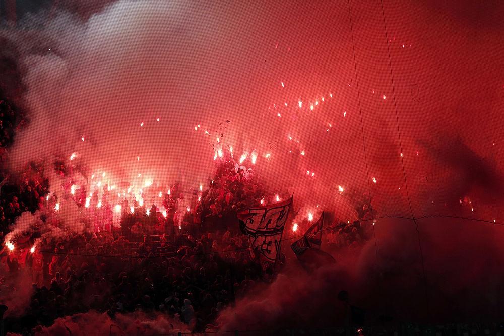 Экскурсия в ад: самые горячие футбольные стадионы Европы