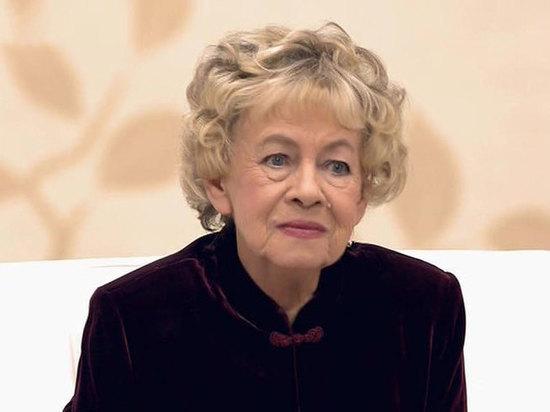 «Не раздувайте скандал»: друзья умершей актрисы Назаровой раскрыли реакцию внучки