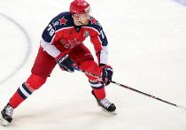 У хоккейных болельщиков праздник: после длинного перерыва хоккей снова возвращается в Москву — на неделю раньше, чем в остальные города России