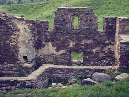 Осквернение древнего храма в Ингушетии расследуют полиция и прокуратура