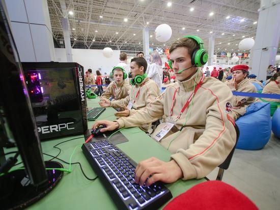 В школьную программу попросили включить игры FIFA и Starcraft II