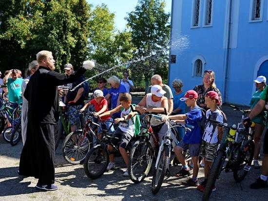 С арбузом и святой водой: в Тульской области в VII раз прошел православный велопробег