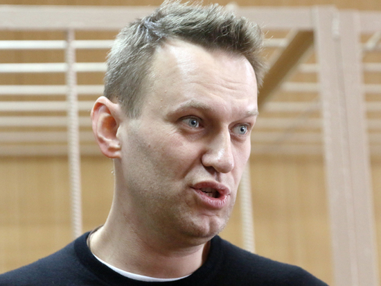 Активная эквилибристика Навального