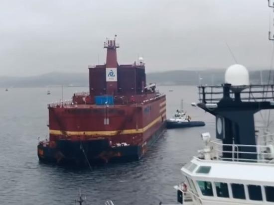 Первый в мире энергоблок плавучей АЭС отправляют на Чукотку