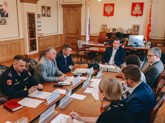 В Смоленской области обсудили готовность к учебному году